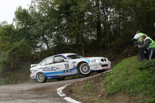 BMW 320 ES (1995)<br/>DEDO - Rallylegend 2013<br/>Photo-Poster 75x50cm