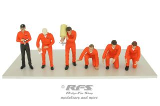 Figuren Set - Boxen Crew<br />Jägermeister Racing Team<br />1:18 - TSM Model 11AC01
